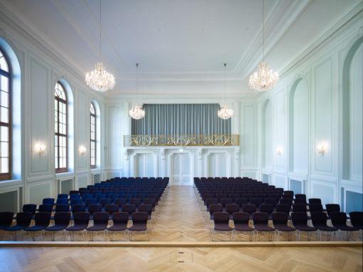 Musikakademie Basel mit Magnus Olesen Stuhl Butterfly